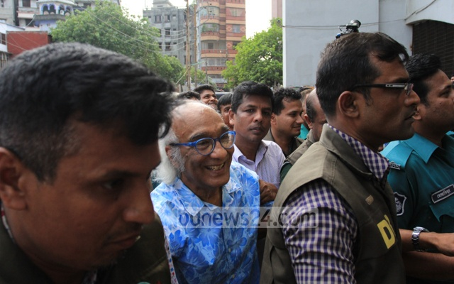 Police arrested Shafik Rehman on Saturday from his Dhaka home and secured a five-day remand. File photo