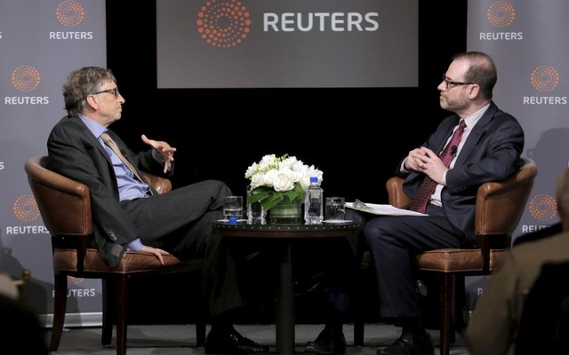 Bill Gates, co-chair of the Bill & Melinda Gates Foundation, speaks with Reuters President and Editor-in-Chief Steve Adler during a discussion on innovation hosted by Reuters in Washington, US, April 18, 2016. Reuters