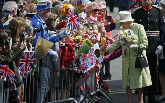 Queen Elizabeth receives flowers and cards from well-wishers on her 90th birthday in Windsor, Britain, April 21, 2016 Reuters.