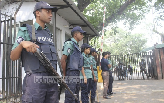The International Crimes Tribunal area in Dhaka came under tight security on Tuesday in view of the verdict in the trial of five war criminals. Photo: tanvir ahammed