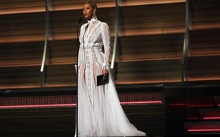 Beyonce presents the Best Record of the Year award during the 58th Grammy Awards in Los Angeles, California February 15, 2016. Reuters
