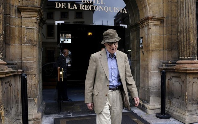 Director Woody Allen leaves Hotel de la Reconquista in Oviedo, northern Spain, July 1, 2015. Reuters