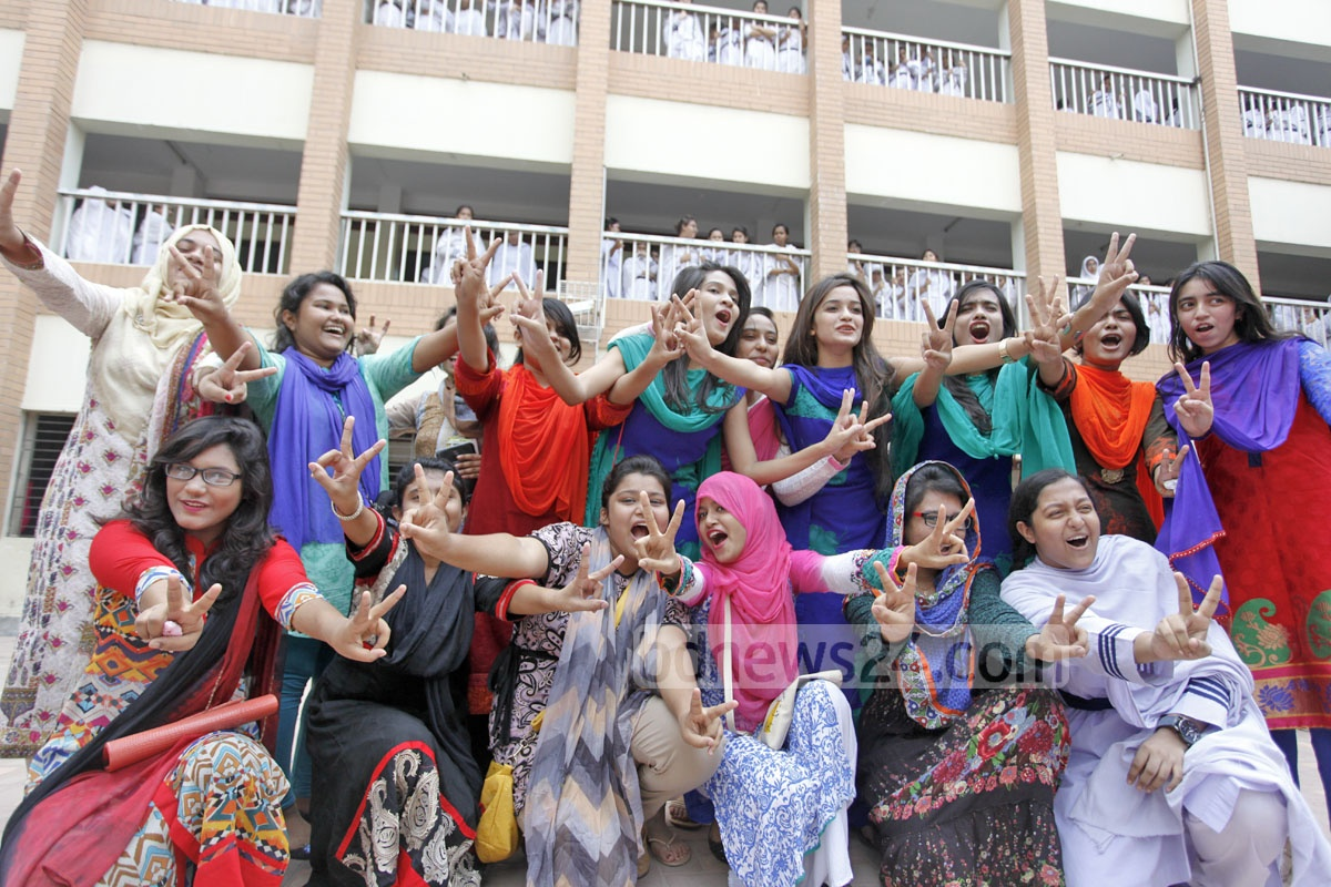 GPA-5 in the SSC exam! Students of the Monipur high school and college in Dhaka rejoice after the declaration of results. The photo was taken on Wednesday. Photo: nayan kumar