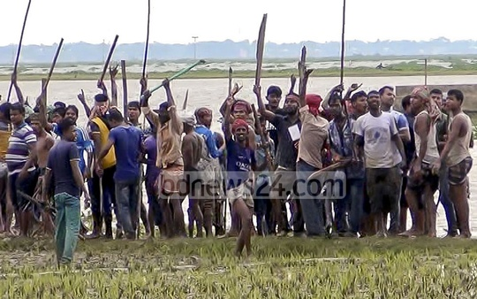 Rival supporters battle it out at Brahmanbaria during the fifth phase of UP polls in 717 Unions .