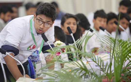 Child lawmakers discuss issues at the 13th Child Parliament on Tuesday. Photo: asaduzzaman pramanik