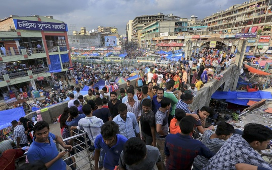 Eid shoppers throng New Market in Dhaka on Friday. Photo: asaduzzaman pramanik