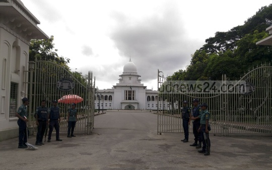 The Supreme Court comes under special police security as a precautionary measure when war crimes convict Mir Quasem Ali's review petition against his death penalty came up for hearing to Saturday.