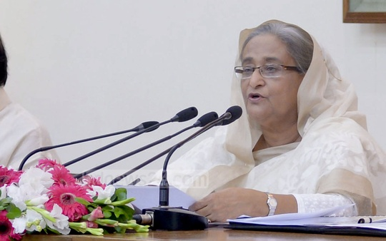 Prime Minister Sheikh Hasina briefs the media on Rampal power plant at Ganabhaban on Saturday. Photo: PID