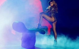 Beyonce performs a medley of songs during the 2014 MTV Video Music Awards in Inglewood, California August 24, 2014. Reuters