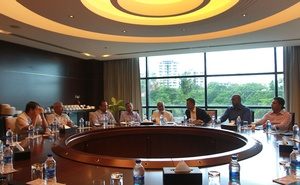 The luncheon discussion in Chittagong.
