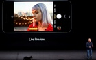Phil Schiller, Senior Vice President of Worldwide Marketing at Apple Inc, discusses the depth of field and bokeh effects in the iPhone 7 Plus during an Apple media event in San Francisco, California, U.S. September 7, 2016. Reuters