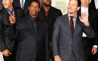 Cast members Denzel Washington (L) and Chris Pratt pose on the red carpet for the film 'The Magnificent Seven' during the 41st Toronto International Film Festival (TIFF), in Toronto, Canada, September 8, 2016. Reuters