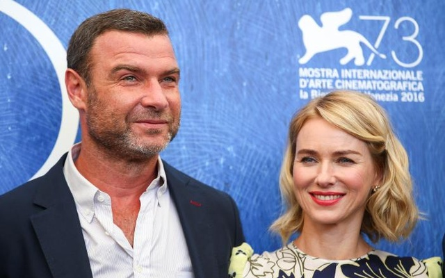 Actors Liev Schreiber (L) and Naomi Watts attend the photocall for the movie 'The Bleeder' at the 73rd Venice Film Festival in Venice, Italy September 2, 2016. Reuters