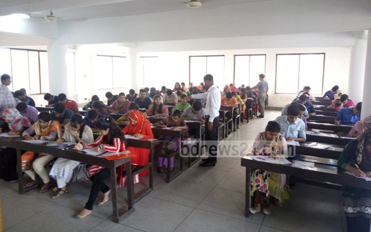 Dhaka University 'Ga' Unit admission test is under way at a centre on Friday. Photo: abdul mannan