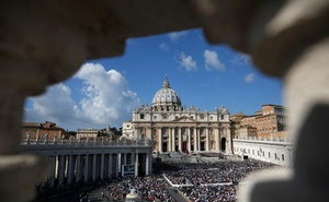 View as Pope Francis leads a Marian vigil mass in Saint Peter's square at the Vatican, October 9, 2016. Reuters