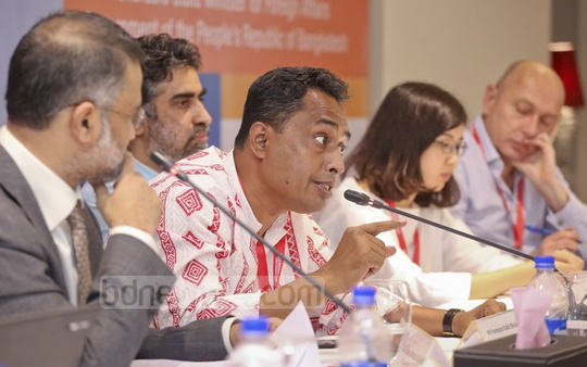 Bangladeshi journalist Humayun Kabir Bhuiyan speaking at a panel discussion at the Asia Media Conference 2016 on Friday. Photo: asaduzzaman pramanik