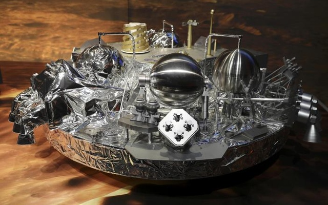 A full-size model of the European ExoMars entry, descent and landing module, Schiaparell is seen during a press conference at the European Space Agency (ESA) Headquarters in Darmstadt, Germany Oct 20, 2016. Reuters