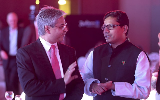 ADN Chairman Asif Mahmood in a conversation with State Minister for ICT Zunaid Ahmed Palak during the 10th anniversary celebration of bdnews24.com at Radisson Blu hotel on Sunday.