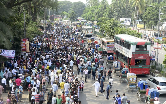 Demonstrations by various organisations blocking the street in front of the National Press Club created traffic congestions leading commuters to suffer on Monday.