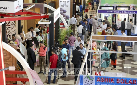 Partex Interior-Exterior Expo 2016 and Bangladesh Lighting Expo 2016 became crowded immediately after the inauguration in Dhaka on Thursday. Photo: asaduzzaman pramanik