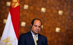 Egypt's President Abdel Fattah al-Sisi attends a news conference with Greek Prime Minister Alexis Tsipras and the Cyprus' President Nicos Anastasiades (unseen) at the El-Thadiya presidential palace in Cairo, Egypt, October 11, 2016. Picture taken Oct 11, 2016. Reuters