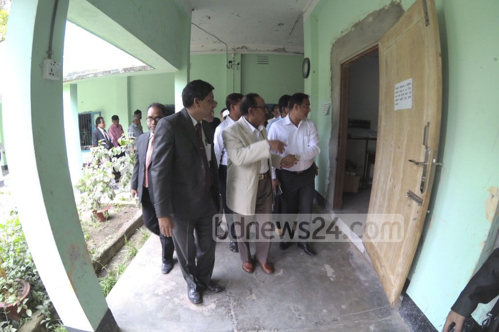 Primary and Mass Education Minister Mostafuzur Rahman Fizar visits Dhaka's Agrani School and College on the first day of Primary Education Certificate (PEC) tests on Sunday. Photo: abdul mannan