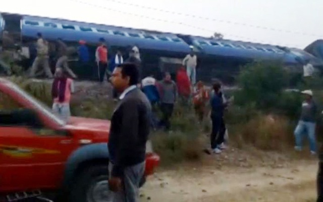 A view of a derailed train in Kanpur, in India's northern state of Uttar Pradesh, in this still image taken from video Nov 20, 2016. ANI/via Reuters TV