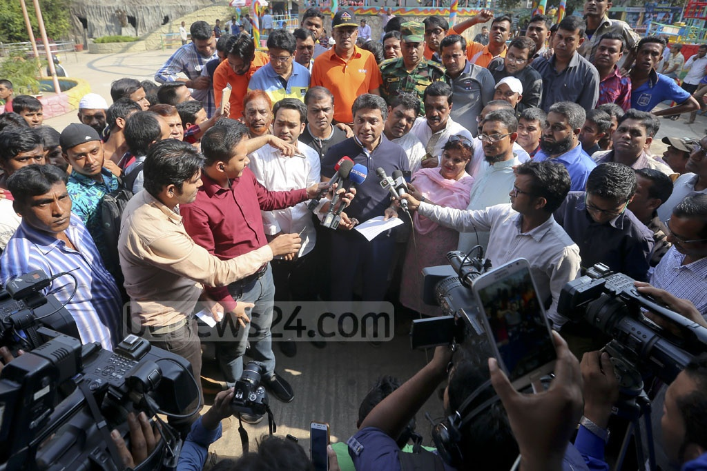 Dhaka North Mayor Annisul Huq speaks to the media during a drive to shut down 'Shishu Mela', a children's amusement park in Shyamoli, on Saturday for not paying lease rent for over a decade. Photo: asaduzzaman pramanik
