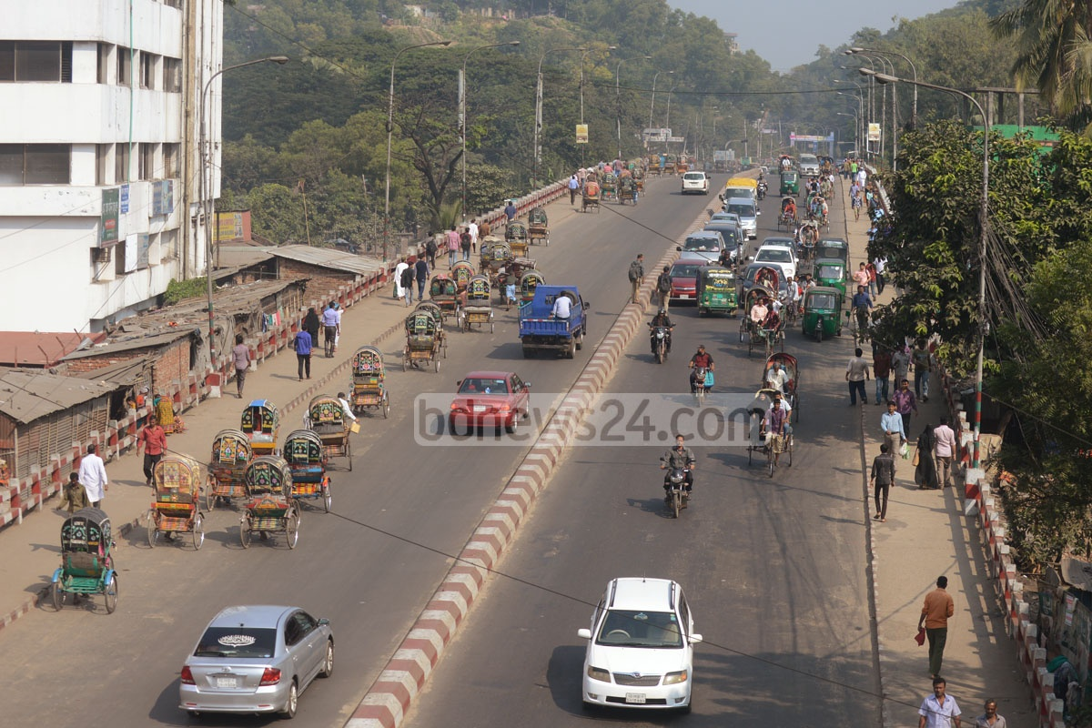 The Dewanhat Bridge in Chittagong City is almost empty of public transports as the Bangladesh Transport Workers' Federation observed a strike on Tuesday to force an end to 'police harassment' and the authorities to meet other demands.