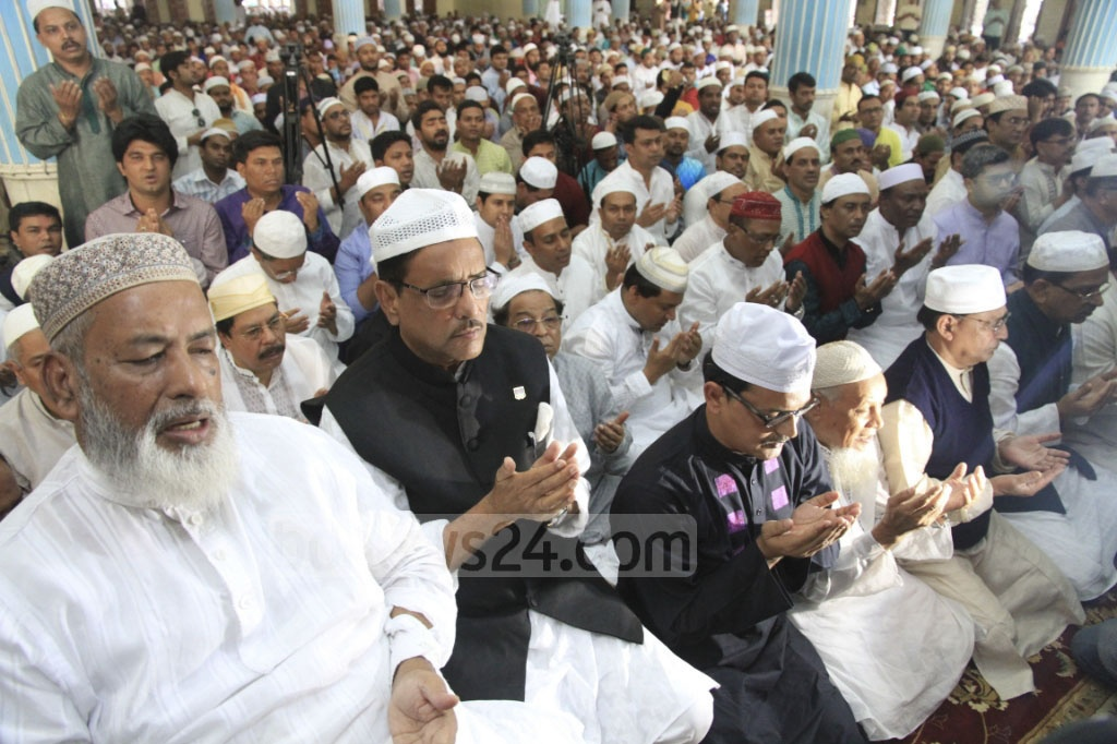 Awami League General Secretary Obaidul Quader (second from left on front row) took part in special prayers for good health and long life of Prime Minister Sheikh Hasina at Baitul Mukarram National Mosque on Friday. Special prayers were arranged because of the emergency landing of an aircraft that was carrying her to Hungary earlier this week.