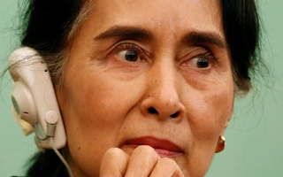 Myanmar State Counsellor Aung San Suu Kyi listens to a reporter's question during a news conference at the Japan National Press Club in Tokyo, Japan Nov 4, 2016. Reuters