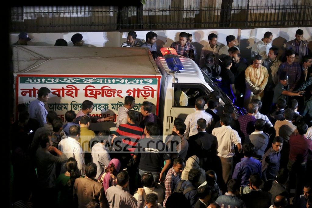 A freezer vehicle is brought to Gulshan's Samdado to take away the body of Prime Minister's Special Assistant Mahbubul Hoque Shakil who was found dead in the Japanese restaurant on Tuesday. Photo: asaduzzaman pramanik
