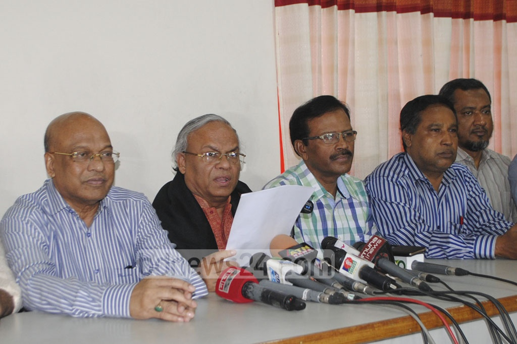 BNP Senior Joint Secretary General Ruhul Kabir Rizvi addressing the media on Saturday at the party's Naya Paltan headquarters in Dhaka.