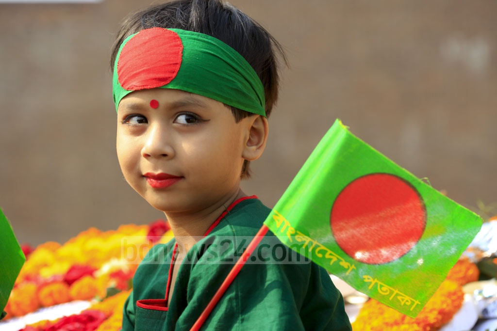 A child at the Rayerbazar Martyred Intellectuals Memorial in Dhaka on Wednesday. Photo: mostafigur rahman