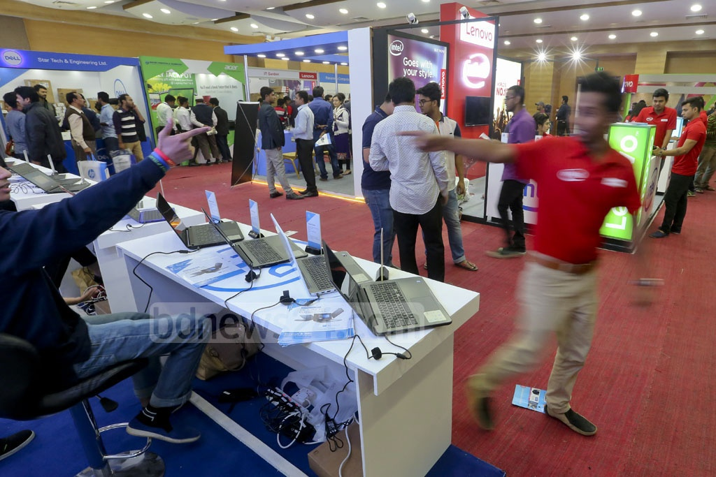 The three-day Laptop Fair started at the Bangabandhu International Conference Centre in the capital on Thursday. Photo: asaduzzaman pramanik