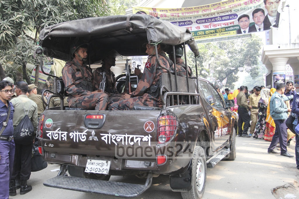 BGB troops patrol the Narayanganj City a day ahead of the vote. The EC believes the border guards can provide the regular law-enforcing agencies with sufficient support to tackle eventualities. Photo: asif mahmud ove