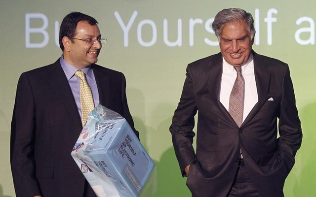 Tata Group Chairman Ratan Tata and Deputy Chairman Cyrus Mistry attend the launch of a new website for tech superstore Croma, managed by Infiniti Retail, a part of the Tata Group, in Mumbai, India Apr 23, 2012. Reuters