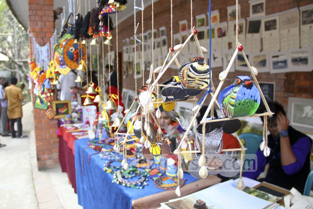 Students of the Faculty of Fine Arts have put their handicrafts on display at the Zainul Festival. Photo: abdul mannan