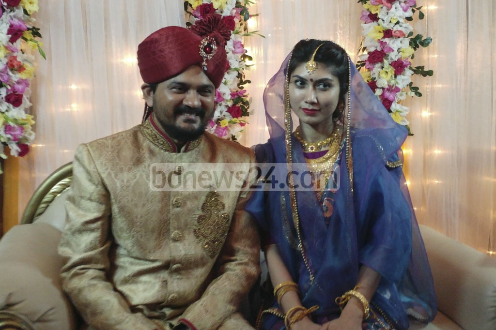 Ganajagaran Mancha Spokesperson Imran H Sarker has tied the knot with Dhaka University teacher Nadia Nandita Islam. The wedding ceremony was held at the official Hare Road residence of bride's father Education Minister Nurul Islam Nahid on Saturday. Photo: abdul mannan