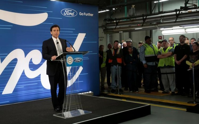 Ford Motor President and CEO Mark Fields makes a major announcement during a news conference at the Flat Rock Assembly Plant in Flat Rock, Michigan, US. Jan 3, 2017. Reuters