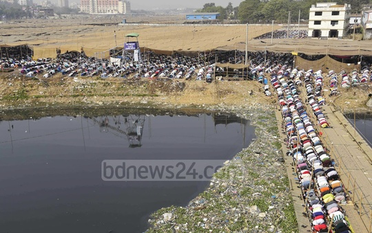 Thousands of devotees offer Friday prayers on the first day of the start of the second phase of the Bishwa Ijtema in Tongi.
