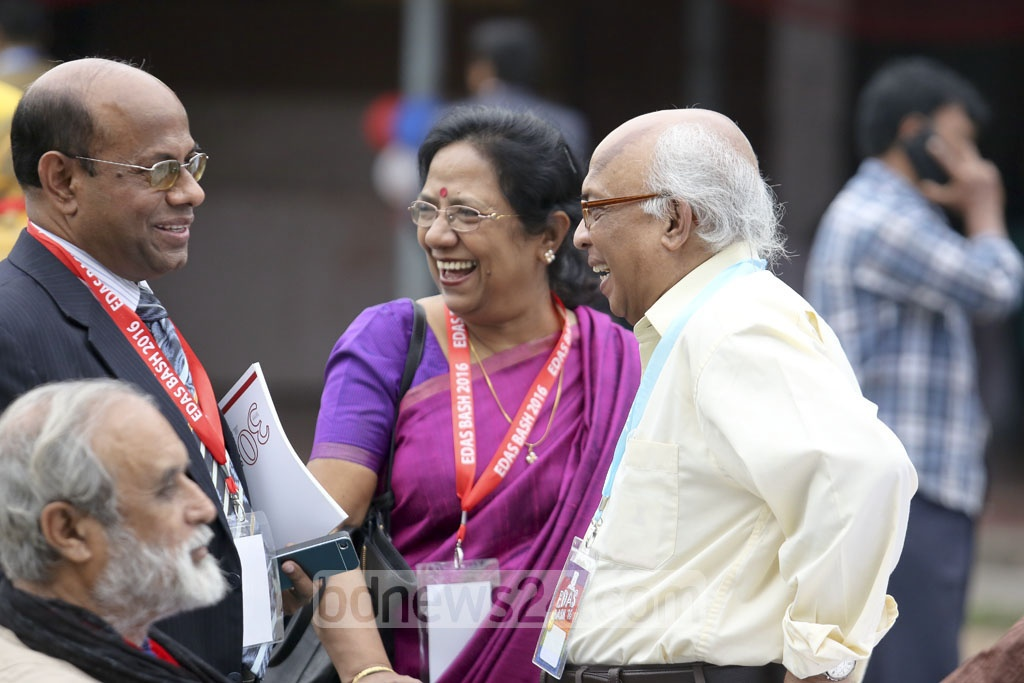 Journalist Syed Badrul Ahsan (right) is all smiles with his old friends.
