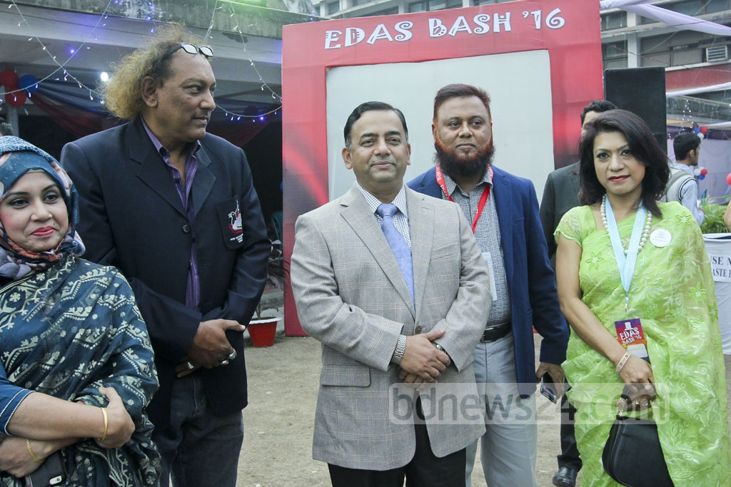 RAB Director General Benazir Ahmed (3rd from left) poses with friends including former Bangladesh football team captain Kaiser Hamid (2nd from left).