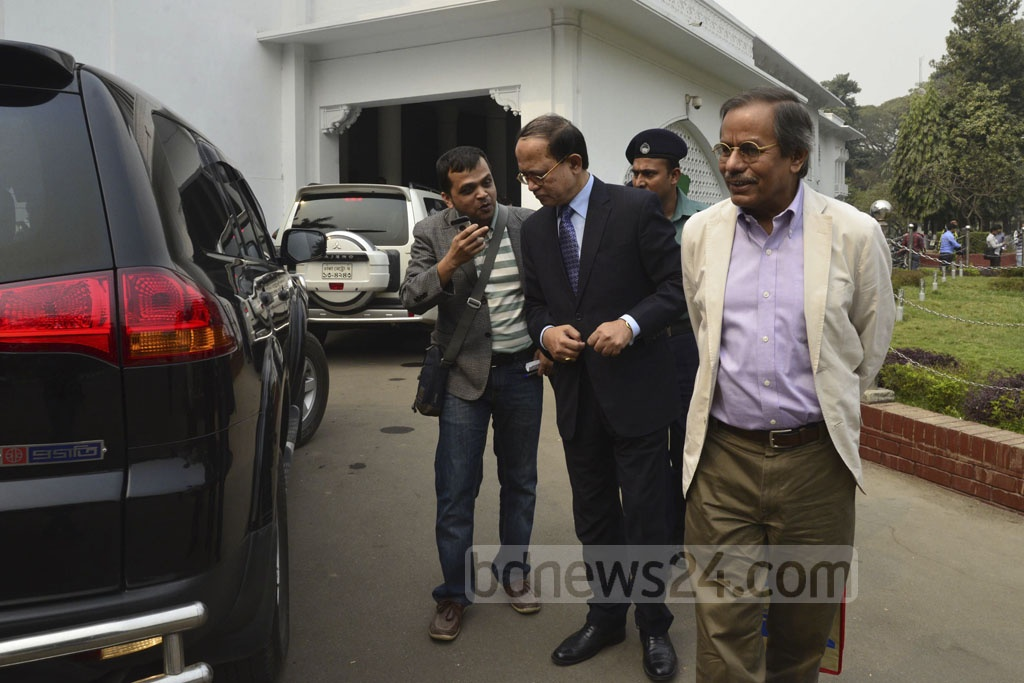 CAG Masud Ahmed and Dhaka University Professor Syed Manzoorul Islam leave the Supreme Court Judge's Lounge after the first meeting of the Election Commission search panel on Saturday.