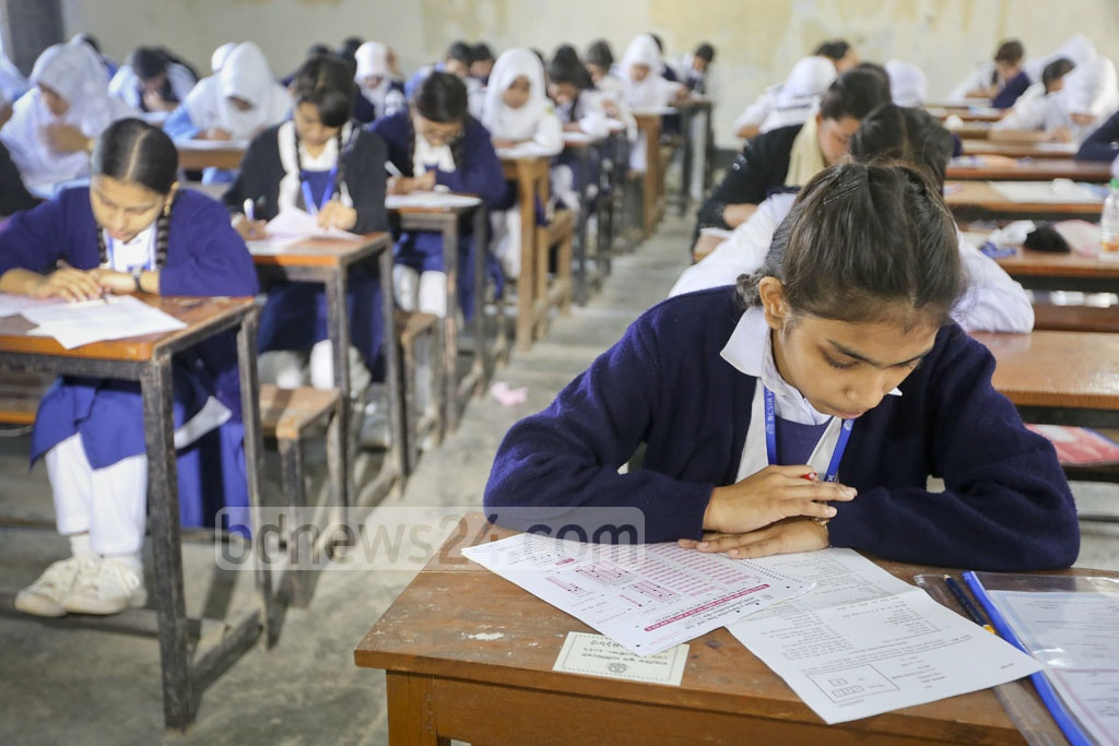 SSC exam centre at Dhaka's Government Laboratory High School on Thursday. Photo: asaduzzaman pramanik