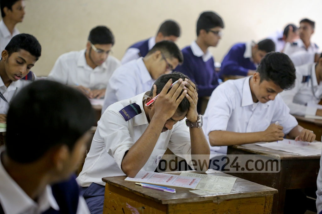 SSC candidates at Government Laboratory High School on the first day of the public examination on Thursday. Photo: asaduzzaman pramanik