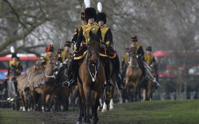 The King's Troop Royal Horse Artillery arrive for a Royal 41-gun salute to mark the start of Queen Elizabeth's Blue Sapphire Jubilee year at Green Park in central London, Britain, February 6, 2017. reuters