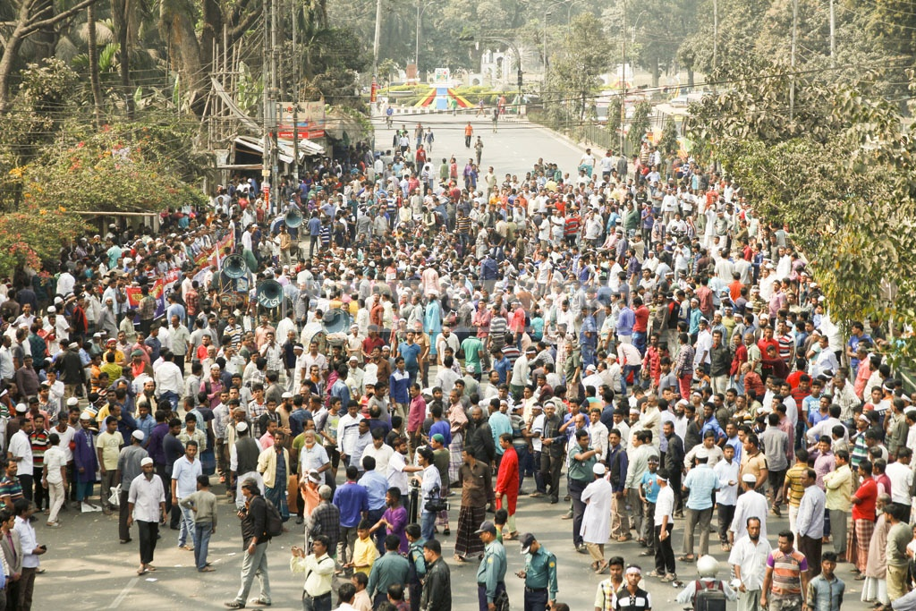 Dhaka hawkers demonstrate on Tuesday in front of the National Press Club in Dhaka against recent evictions from footpaths of Gulistan and adjacent areas in the city.