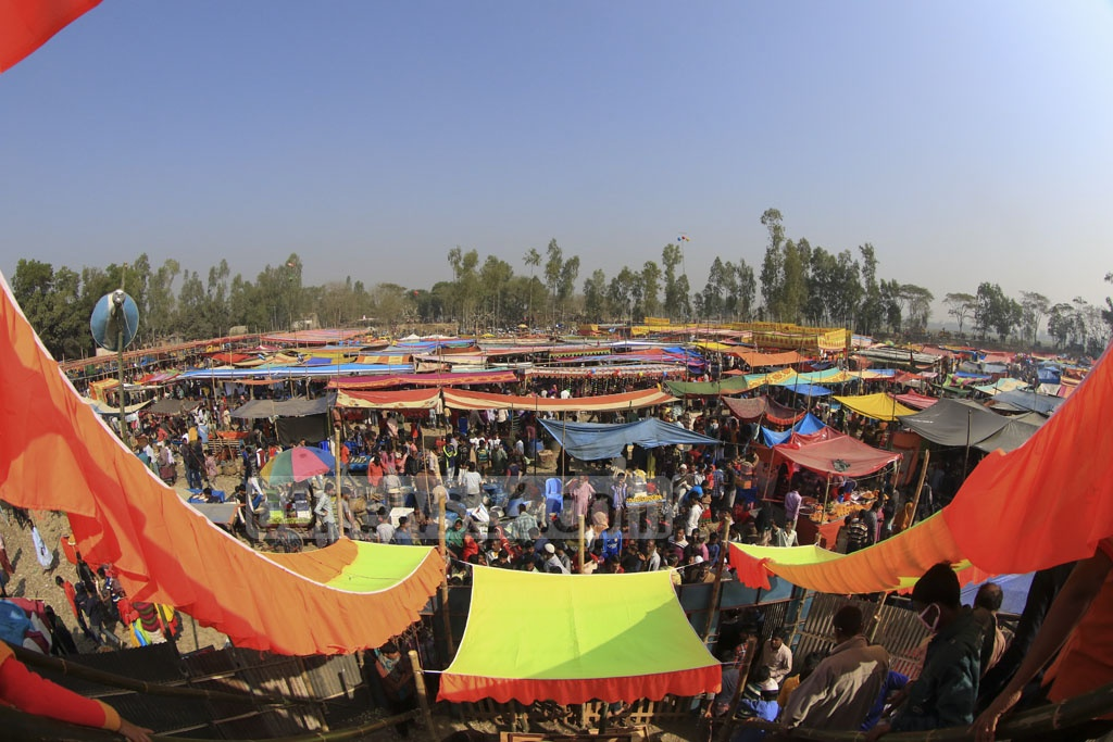 It's a 400 years old tradition - the village fair at Poradah under Mahishban union of Gabtali Upazila in Bogra is organised on the last Wednesday of Bangla month 'Magh'. Photo: mostafigur rahman