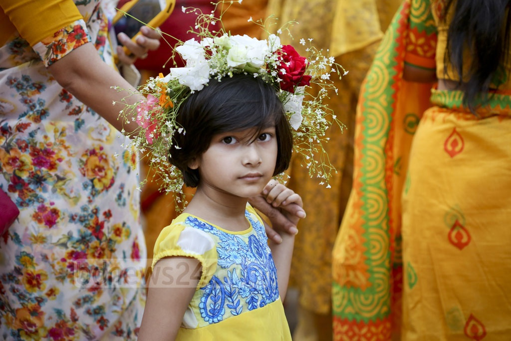 Young hearts add colours and joy to festivities welcoming spring at Dhaka University on Monday. Photo: asaduzzaman pramanik